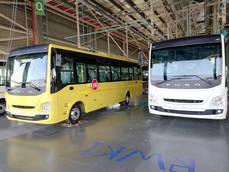 Daimler Buses produce la unidad número 100 de Fuso en India