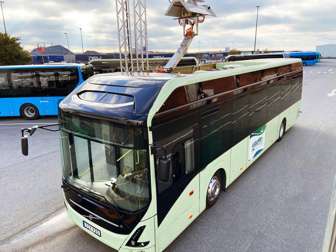 Volvo Buses presenta una nueva alternativa para cargar autobuses