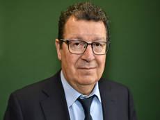 Carlos Lobato.