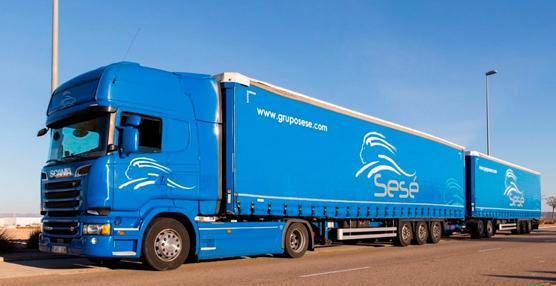 El Grupo Sesé realiza la primera prueba con un camión de 31,75 m y 70 toneladas