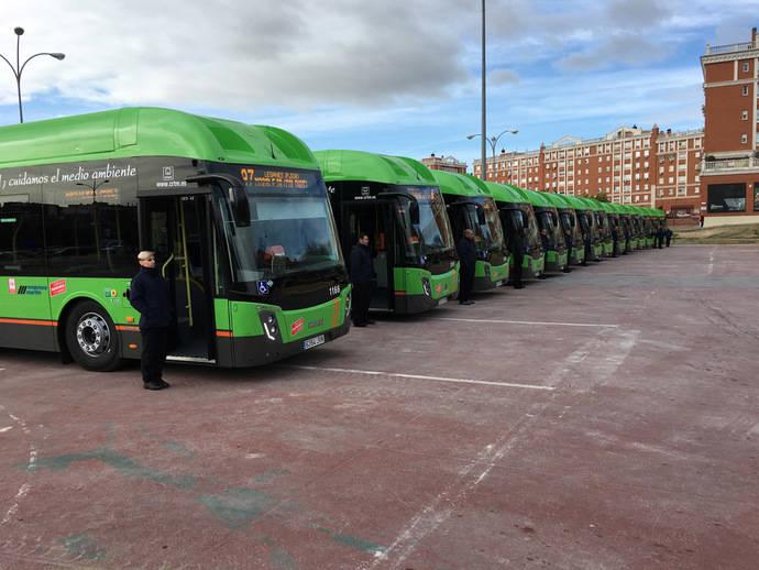 Empresa Martín presenta 14 nuevos vehículos GNC