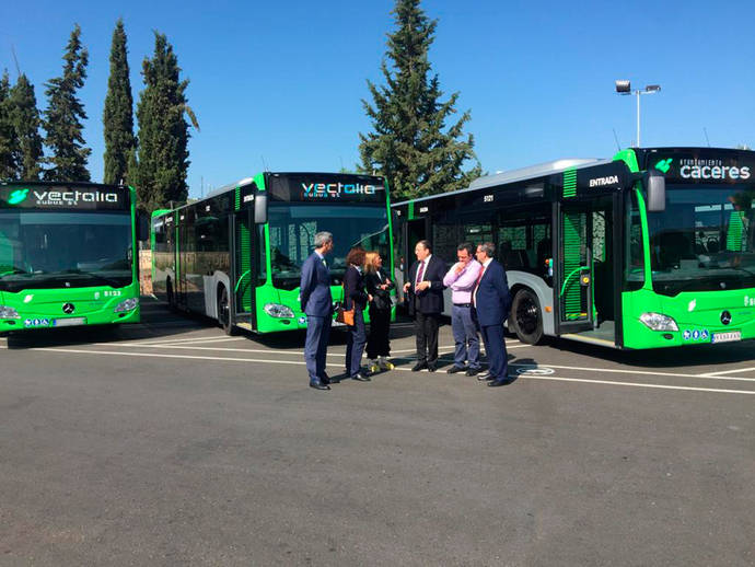 Vectalia incorpora tres unidades al servicio de Cáceres