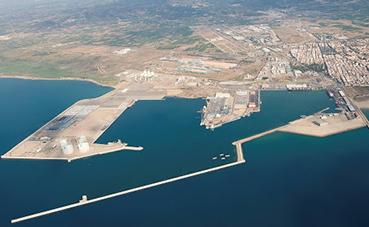 Valenciaport compensa la caída de actividad con 57,2 millones