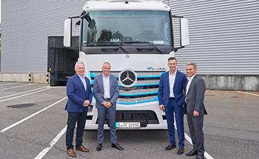 Mercedes-Benz entrega un eActros a Meyer-Logistik