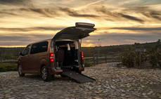 Toyota lanza una gama de furgonetas para personas con movilidad reducida