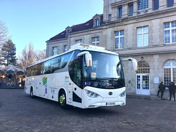 La región Gran París recibe el primer autocar eléctrico de BYD