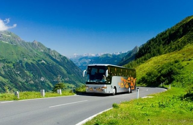 Confebus, CC.OO. y UGT defienden el sistema de transporte público en autobús