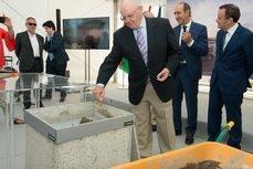 Nacex coloca la primera piedra de su nueva plataforma logística en Coslada