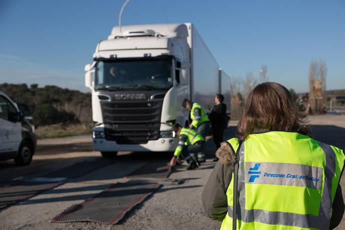 La DGT y el CIAC prueban camiones de 60 toneladas de Scania