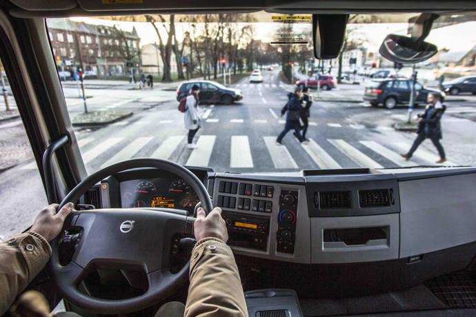 Volvo refuerza la visibilidad de peatones y ciclistas