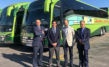Julián de Castro suma tres autocares Volvo B11R a su flota