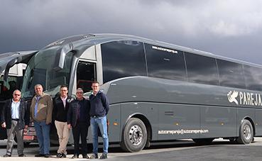 Autocares Pareja estrena dos SC7 de Sunsundegui