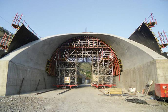Construcción de un túnel.