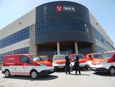 Falck VL incorpora seis furgonetas 100% eléctricas Nissan eNV200.
