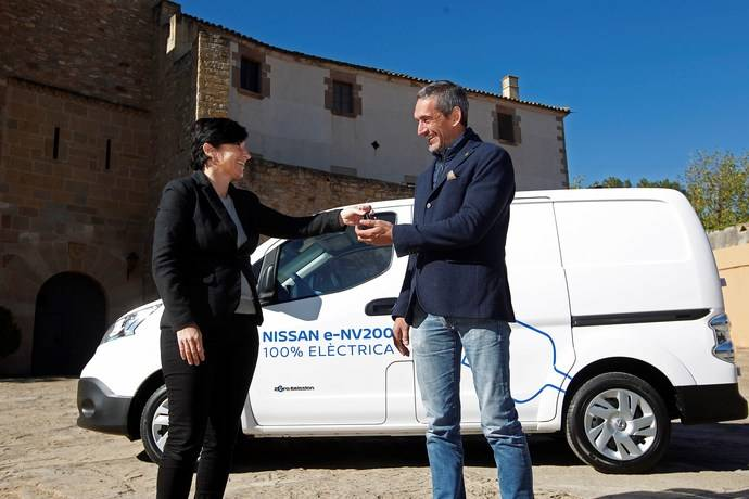 Nissan entrega una e-NV200 al Mejor Vino Ecológico