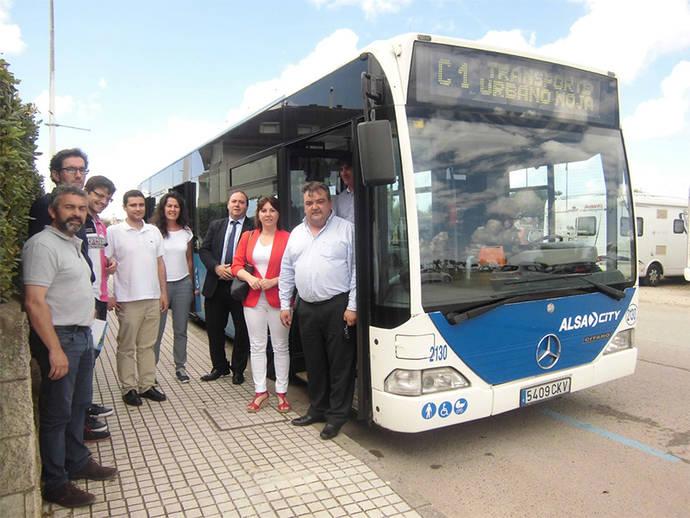Noja estrena un nuevo servicio de autobús urbano durante el verano