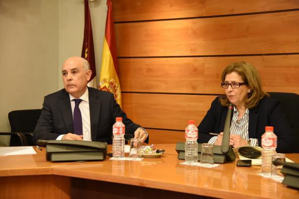 Castilla- La Mancha recupera distintos servicios regionales