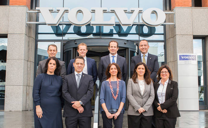 María José González completa la directiva de Volvo Trucks