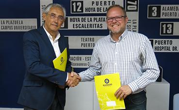 Guaguas Municipales apoya la labor solidaria de la AECC