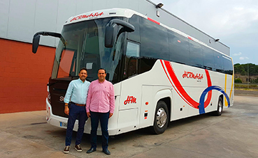 Hermanos Martínez incorpora un Scania Touring