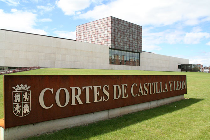 Castilla y León vigilará plataformas digitales con el Plan de Inspección del Transporte 2016