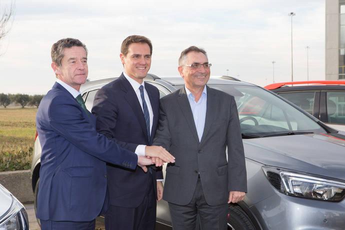 Albert Rivera visita la planta de Groupe PSA en Zaragoza