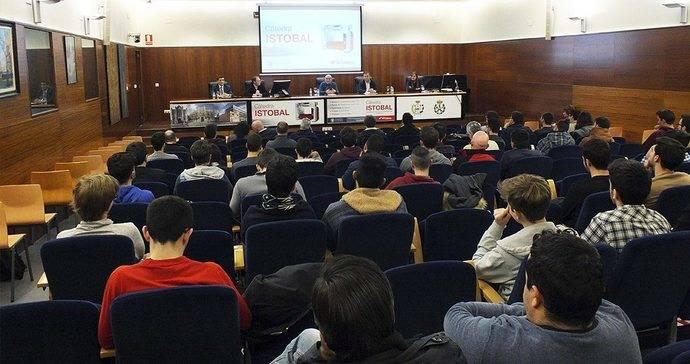 La Cátedra Istobal concederá 5 becas para grados y masters