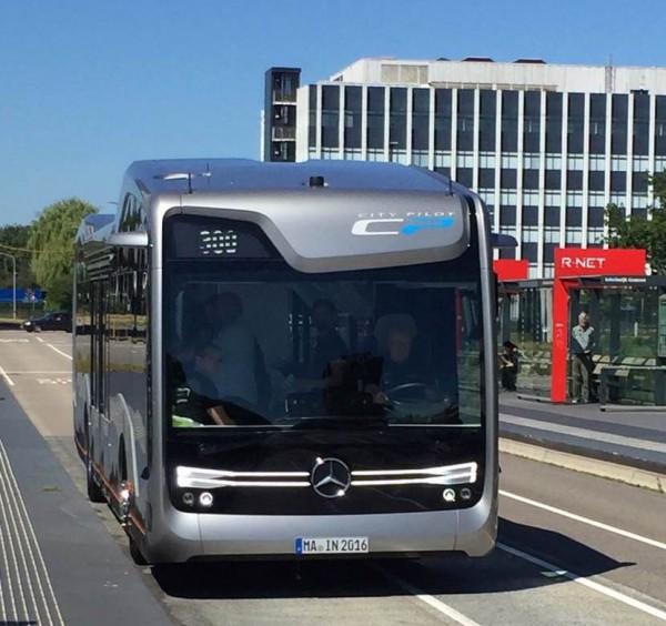 Mercedes prueba su sistema de autobús autónomo CityPilot en Países Bajos