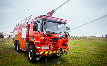 Aena adquiere 14 autoextintores Scania