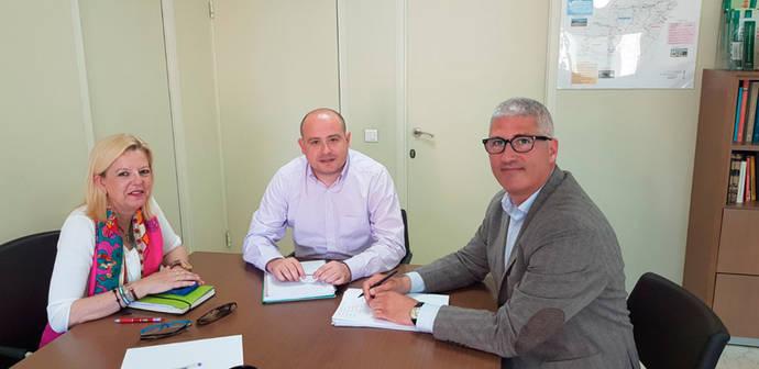 Encuentro para mejorar el transporte público en Huércal (Almería)