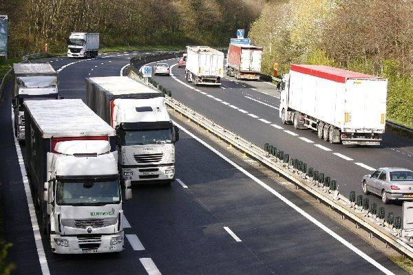 Campaña especial de Tispol para vigilar camiones y autobuses