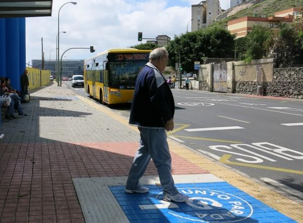 Guaguas mejora con señalización especial la accesibilidad para discapacitados