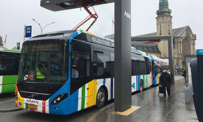 ABB lleva autobuses híbrido eléctricos de carga a la ciudad de Luxemburgo