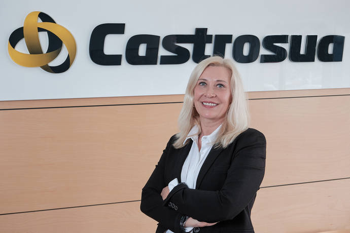 Ana López Ballesteros, nueva directora comercial de Castrosua