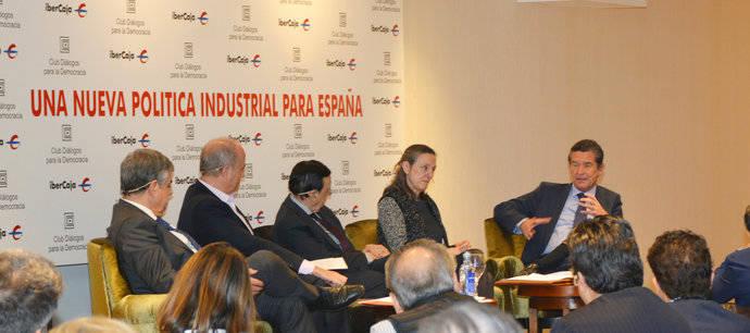 Anfac valora en un debate la importancia de la industria en España y Europa