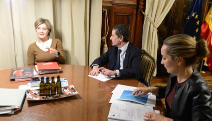 Reunión entre la ministra de Medio Ambiente, Isabel García Tejerina y Anfac