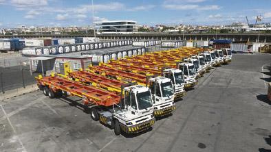 APM Terminals Valencia incorpora nuevos camiones portacontenedores