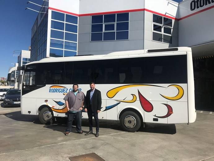 Otokar entrega un vehículo a Autocares Rodríguez Collar