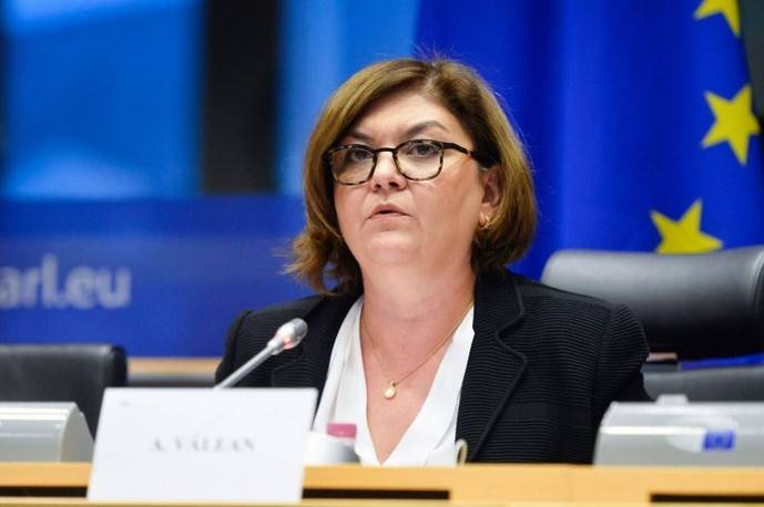 Adina Vălean, futura comisaria europea de Transportes.