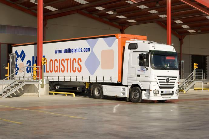 Alfil Logistics muestra su cara más solidaria, con ayuda a refugiados