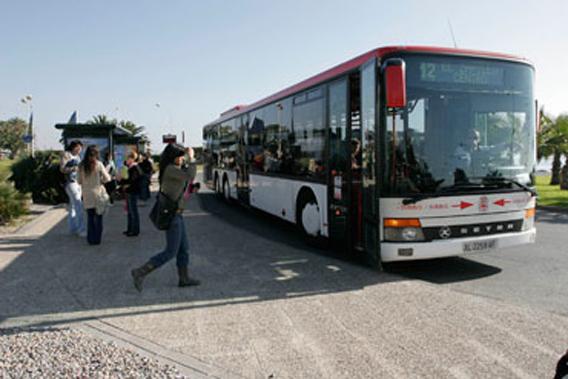 El número de usuarios del transporte público disminuye un 5,7% en marzo