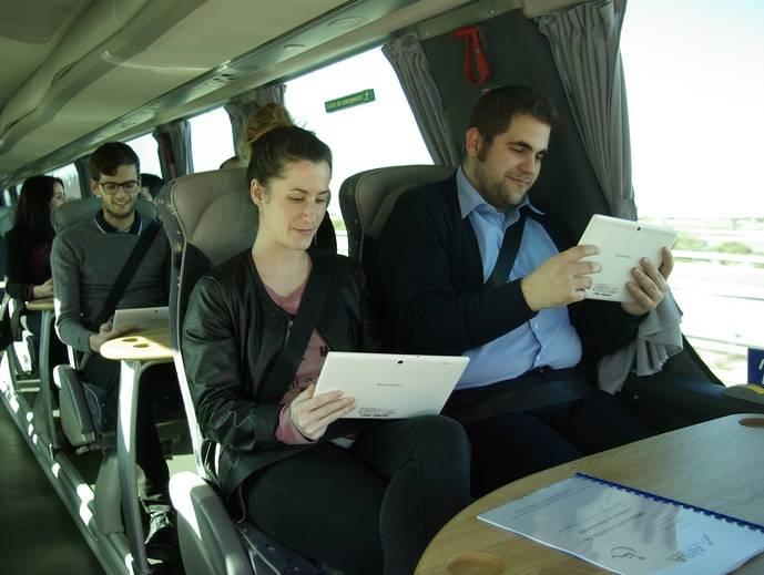 La operadora Aisa presenta el novedoso servicio Aula Bus