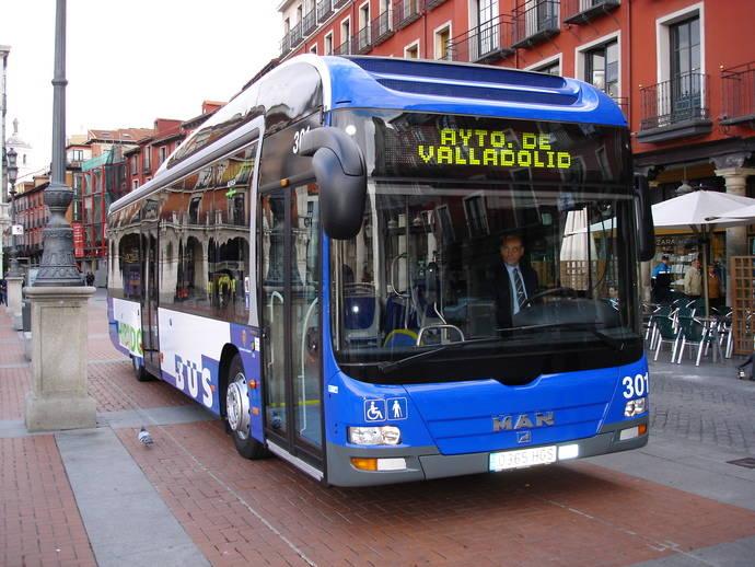El Ayuntamiento de Valladolid adjudica la adquisición de cinco autobuses híbridos