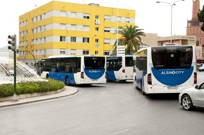 Murcia facilita a los discapacitados usar transporte público