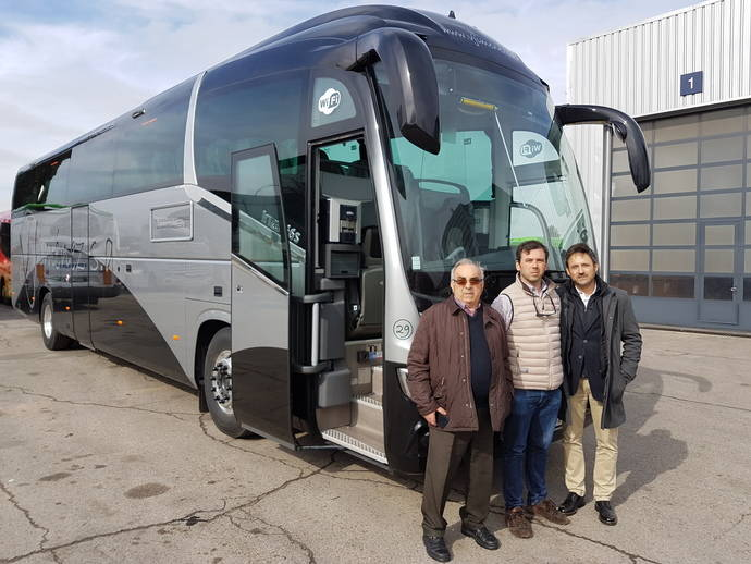 Autocares V. Jiménez adquiere un Scania K410