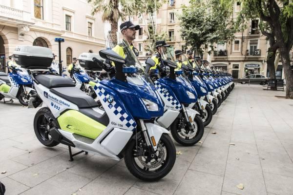 BMW Motorrad y Alphabet entregan una flota sostenible a la Guardia Urbana de Barcelona