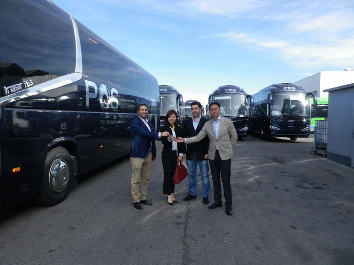 Bastian Bus compra 15 unidades Scania para su transporte turístico