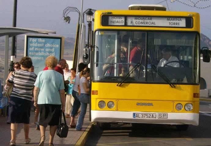 Mojácar mejora el servicio de bus urbano con nueva parada