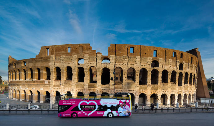 Grupo Julià inicia la operativa del bus turístico de Roma