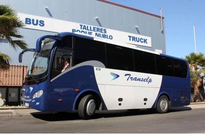 King Long hace entrega de un c9 a Transelp Autobuses